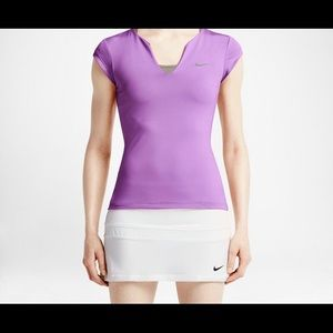 Nike xl with tags vneck top